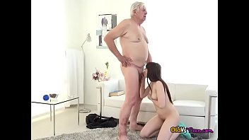 old litte mather dautgher Hot wife trying her first anal bbc