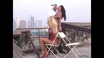 1 femme mec 5 Blonde fucked on stairs
