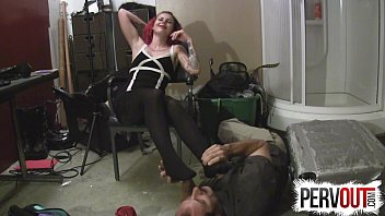 feet licking under Maddie springs fitting