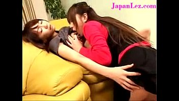 lesbian pissing uncen japanese Isis love squirts on fucking machines10