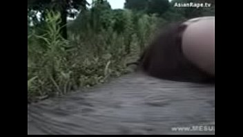 indonesia 3gp2 bokep smp 18yesrs vergin girl fuck by black man