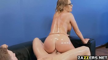 spreading big legs lady her Young footjob old